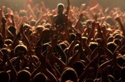 koncert festiwal wydarzenie ludzie publicznosc